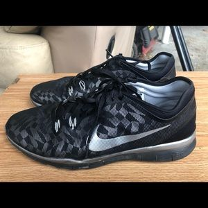 NIKE Free TR Fit 5 Black Silver Sneakers Size 11